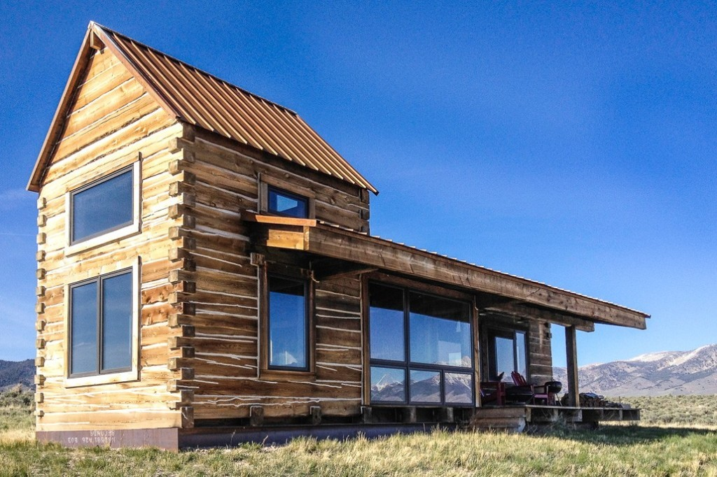www.adventure-journal.com:2013:07:weekend-cabin-feature-summit-springs-ranch-idaho:
