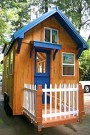 www.tinyhouseliving.com:julies-tiny-home-built-by-molecule-tiny-homes: