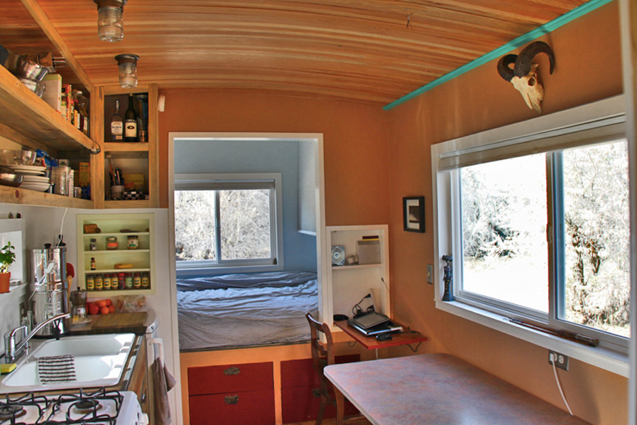 www.tinyhouseswoon.com:steely-cottage