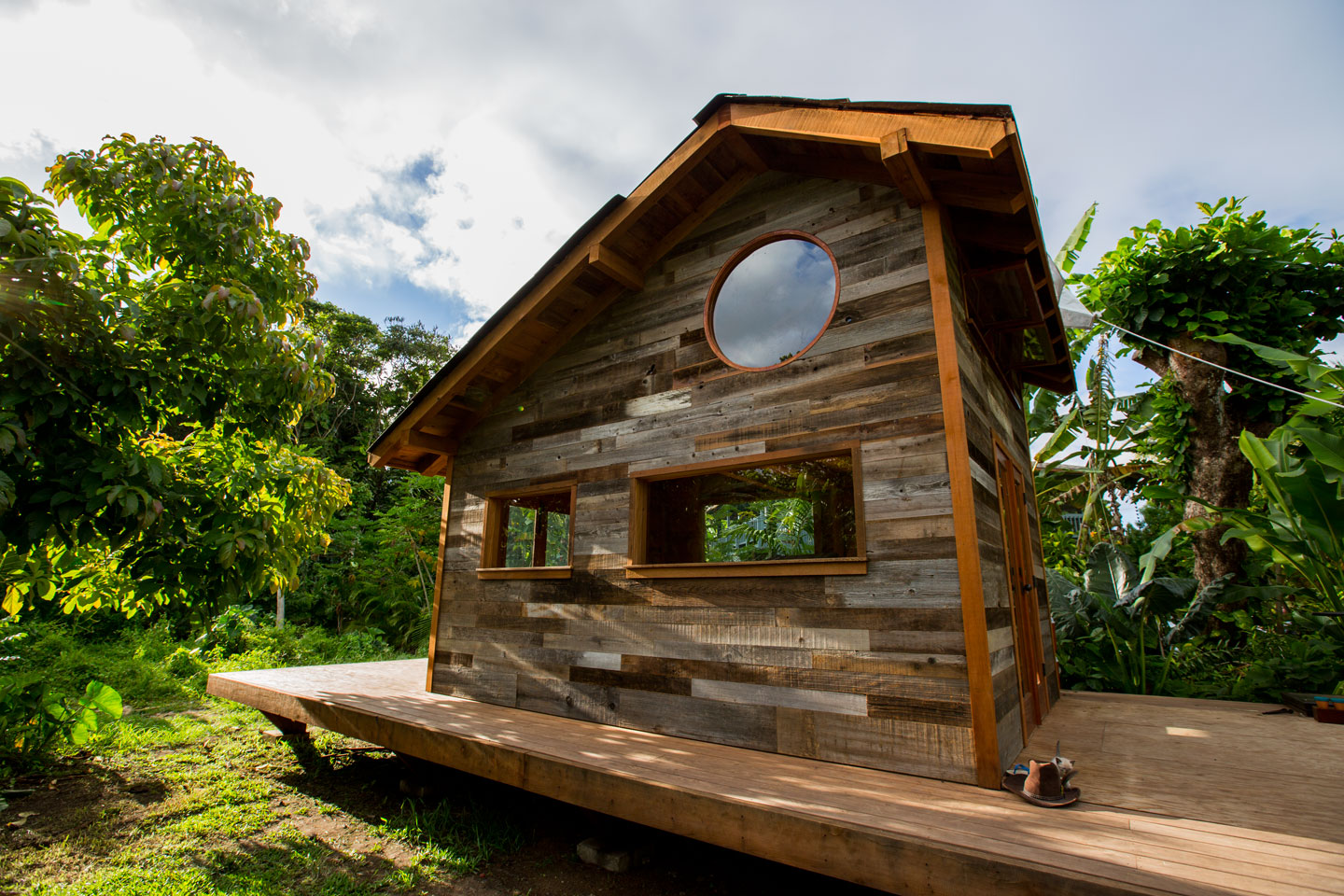 Jay nelson 39 s new tiny house in hawaii the shelter blog Tiny cabin