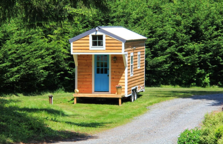 www.seattle.curbed.com:archives:2014:08:blue-door-tiny-house-two-beds