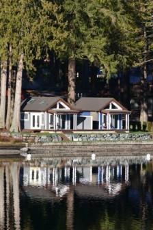 Tiny house's on a lake