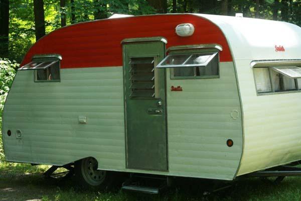 www.viralnova.com:camper-project: