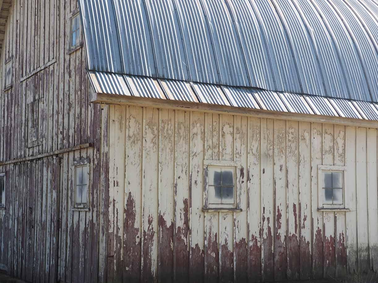 ^ urved oof Barn in Oregon - he Shelter Blog