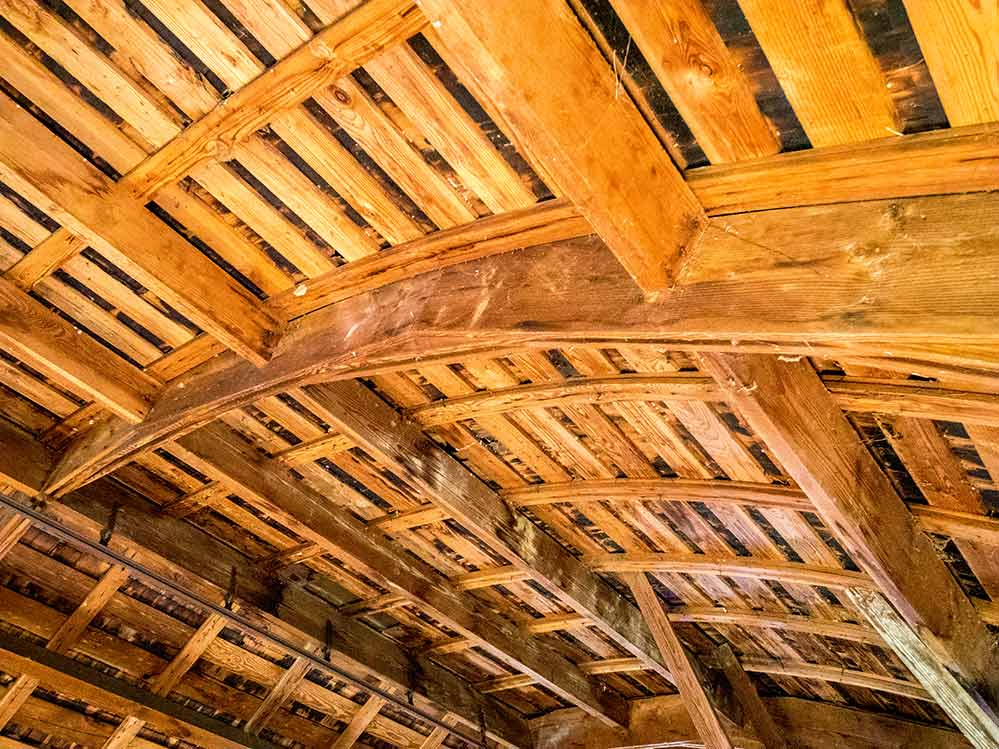Curved Roof Barn In Oregon The Shelter Blog