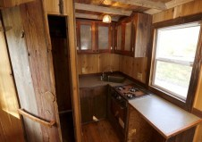 www.usatoday.com:story:money:business:2014:11:02:builders-of-tiny-houses-say-theyre-becoming-a-big-thing:18355455:?utm_source=feedblitz&utm_medium=FeedBlitzRss&utm_campaign=usatodaycommoney-topstories