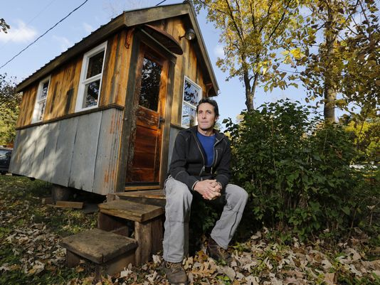 www.usatoday.com:story:money:business:2014:11:02:builders-of-tiny-houses-say-theyre-becoming-a-big-thing:18355455:?utm_source=feedblitz&utm_medium=FeedBlitzRss&utm_campaign=usatodaycommoney-topstories1