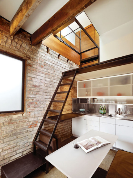 www.gizmodo.com:theres-an-entire-house-crammed-into-this-tiny-98-year-o-16671983801