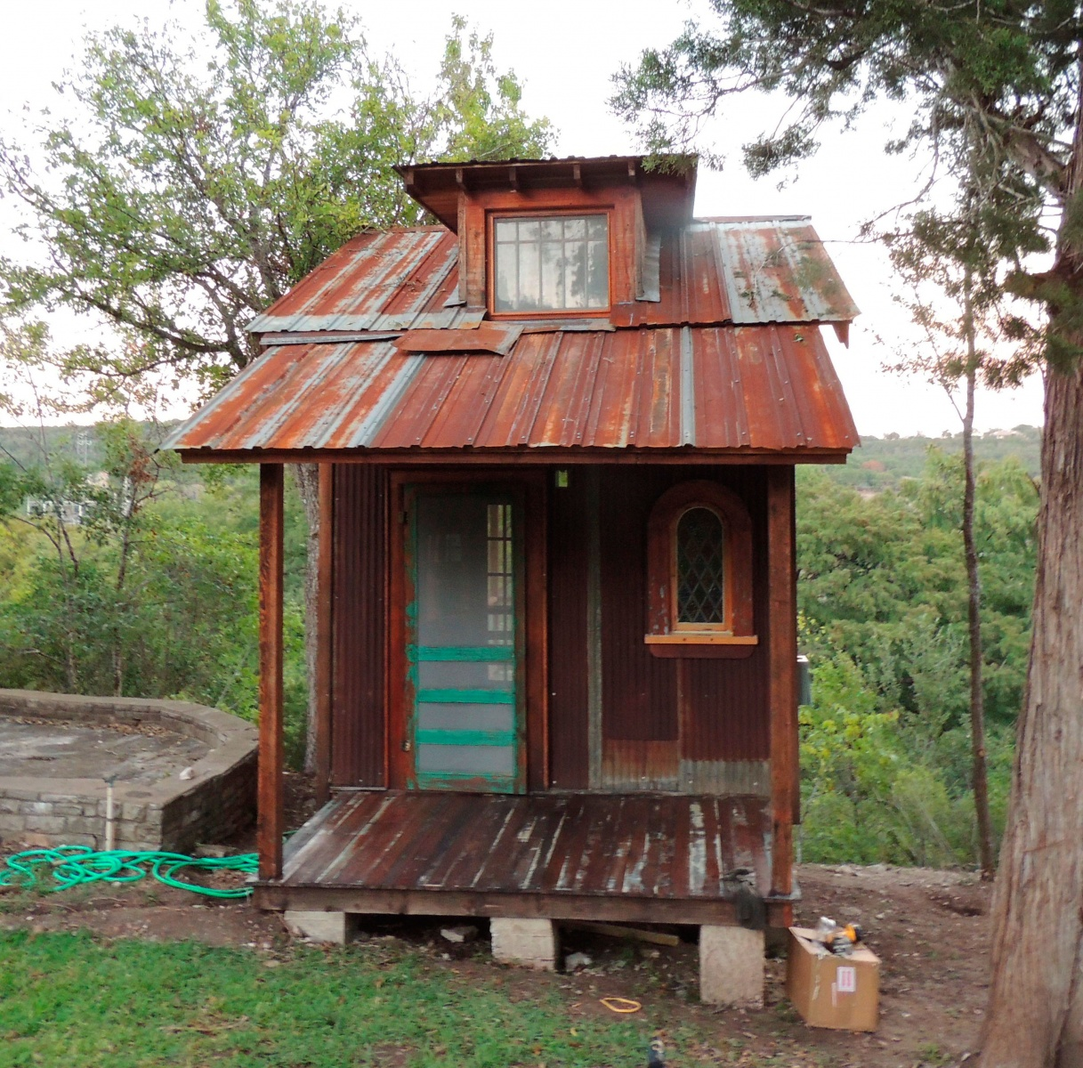 Tiny texas houses 39 recent work the shelter blog for Building a little house