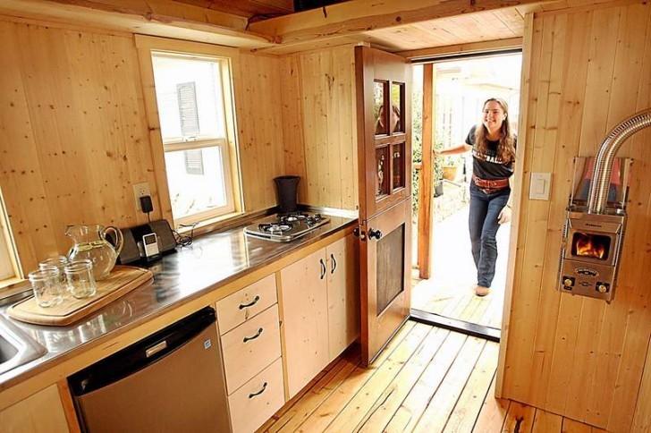 Santa Cruz Woman Builds Tiny House For Homeless The