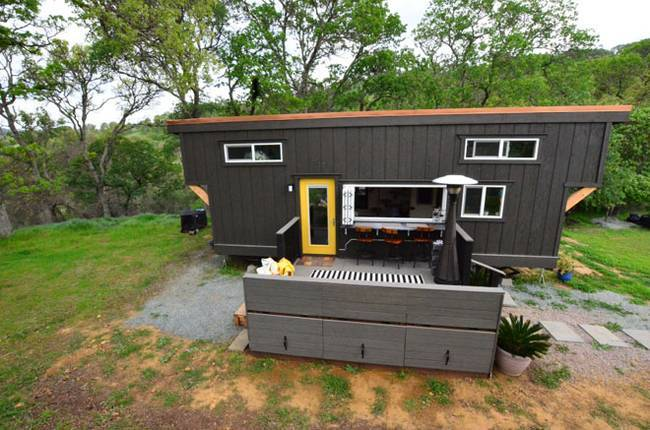tiny-house-basics-shelley-joshua-5.jpg.650x0_q70_crop-smart