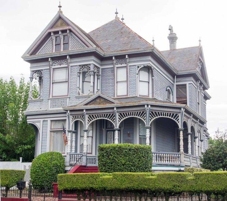 old Victorian house in Napa