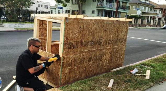 Los Angeles Man Builds Tiny House for Homeless Woman Plans More