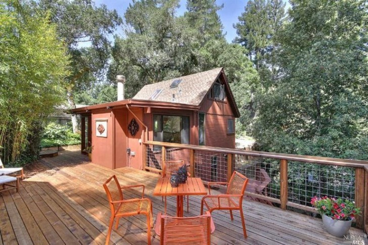 Guerneville-Tiny-Decking