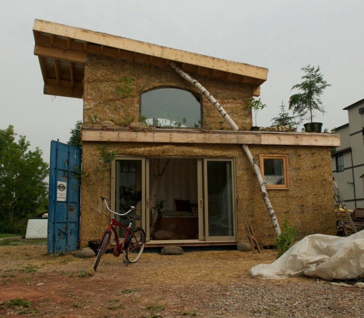 Solar tiny container house built with cob the shelter blog - Container home blog ...