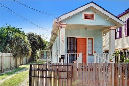 Fantastic Three Small Homes For Sale In New Orleans The Shelter Blog Largest Home Design Picture Inspirations Pitcheantrous