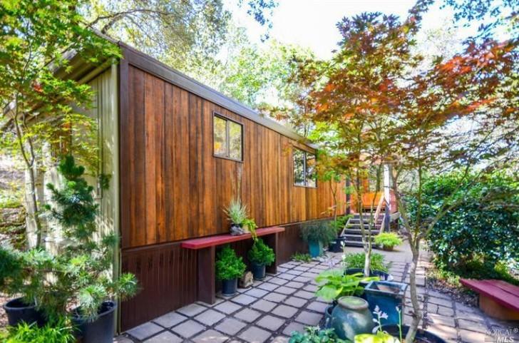 Tiny-Sonoma-House