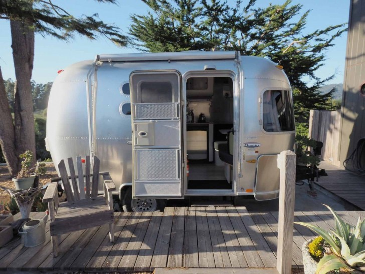 falling in love with an airstream trailer the shelter blog. Black Bedroom Furniture Sets. Home Design Ideas