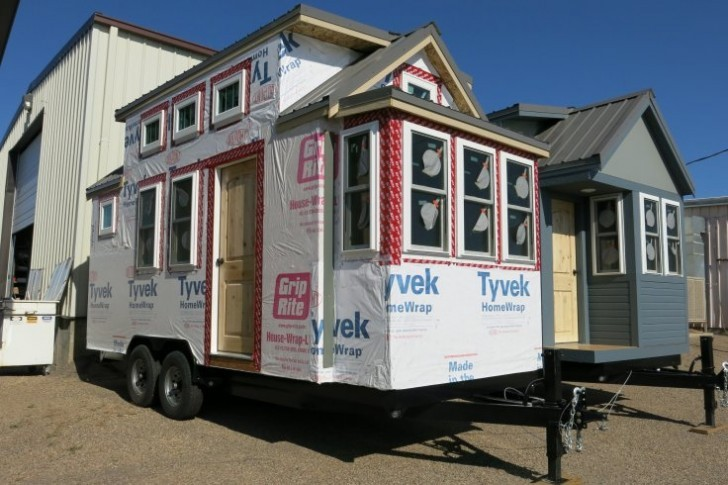 photo_2_-_tiny_houses_outside_sprout