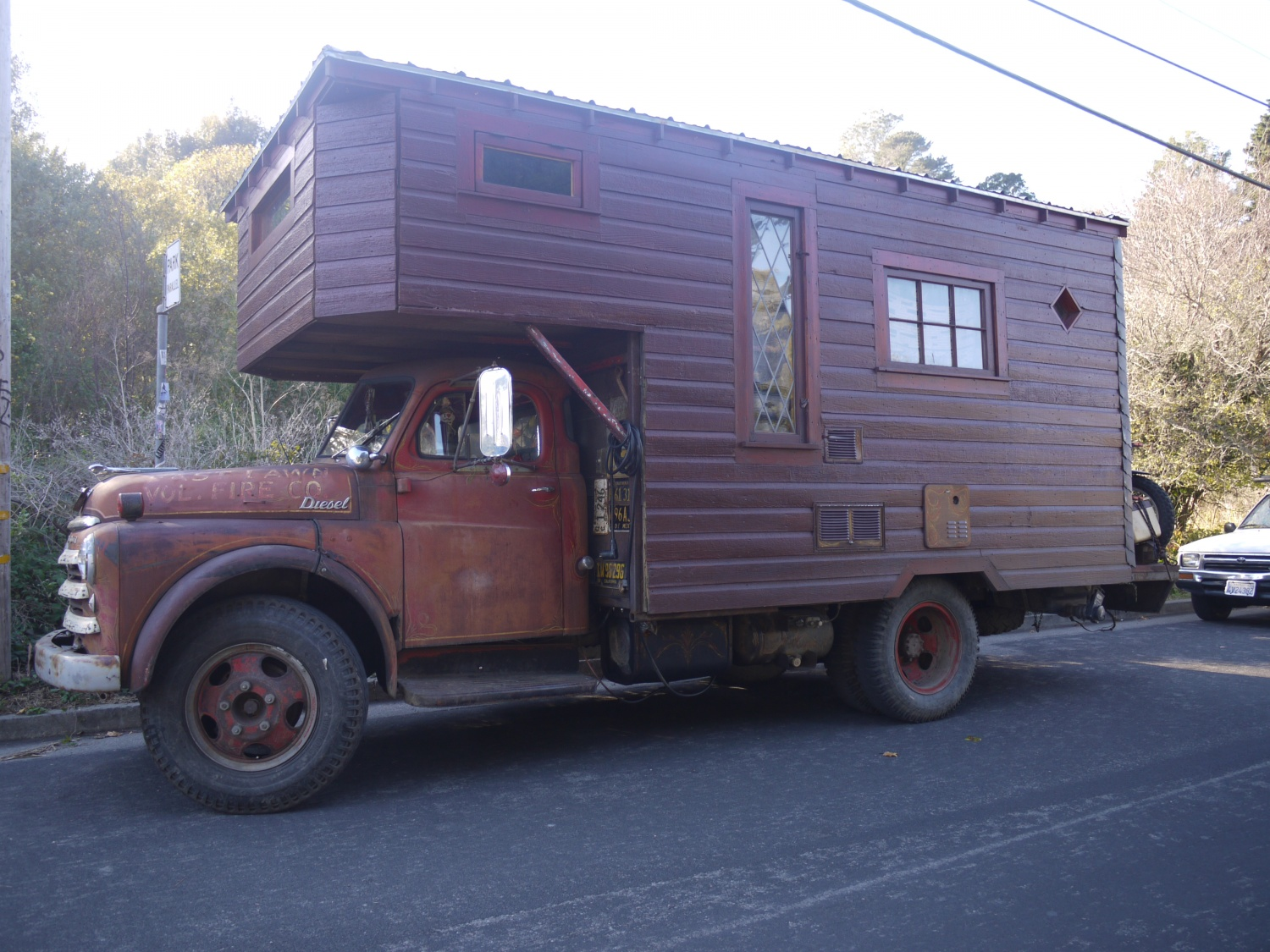 house truck in bolinas the shelter blog. Black Bedroom Furniture Sets. Home Design Ideas