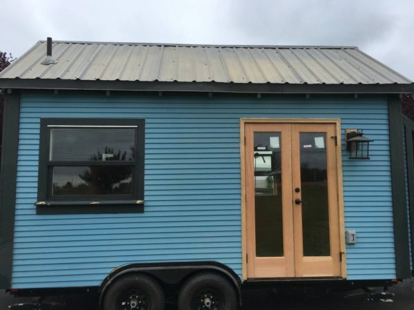 Sweet-Pea-Tiny-House-For-Sale-in-Portland-002-600x449