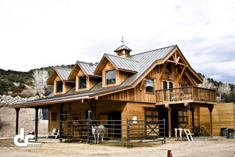 taos-nm-barn-living-quarters-12