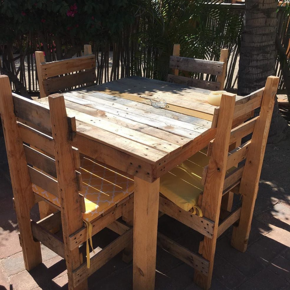 Table and chairs made from pallets in Baja California, Mexico