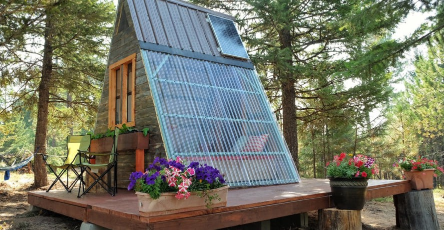 If Youu0027ve Ever Dreamed Of Building Your Own Affordable Tiny House Youu0027ve  Gotta Check Out This Cozy Solar Powered Cabin In Missoula, Montana That  Cost Just ...
