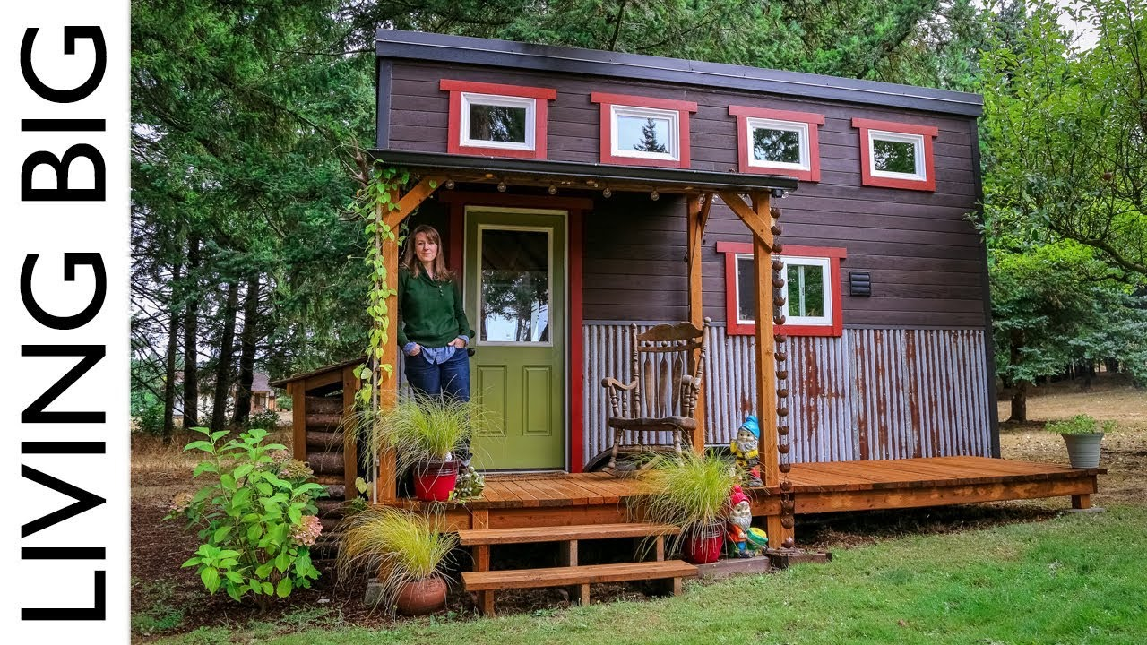 Adorable tiny house built by love family and community for Tiny house blog family