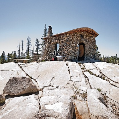 Shelter wants to feature your tiny homes, small homes and adventure rigs! DM us pics of your shelters and we'll post our favorites. Pictured here is @mikebasich's 280 sq ft tiny cabin perched somewhere in the Sierras.
